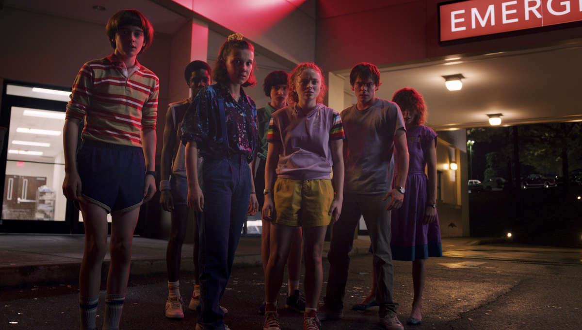 Stranger Things 3 Kids in front of a hospital