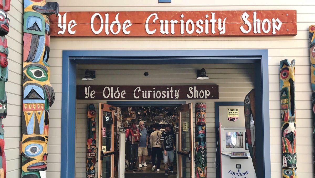 Seattle's Ye Olde Curiosity Shop entrance