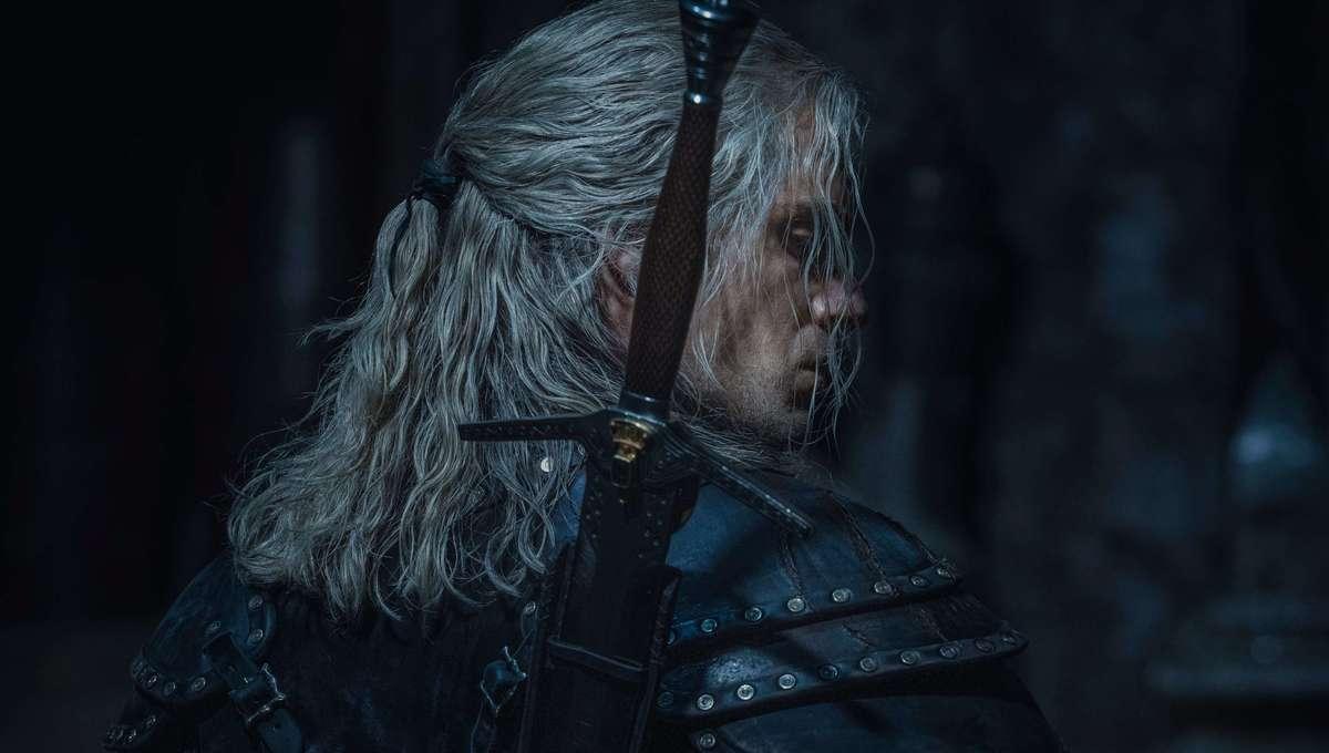 The Witcher new armor season 2 hero
