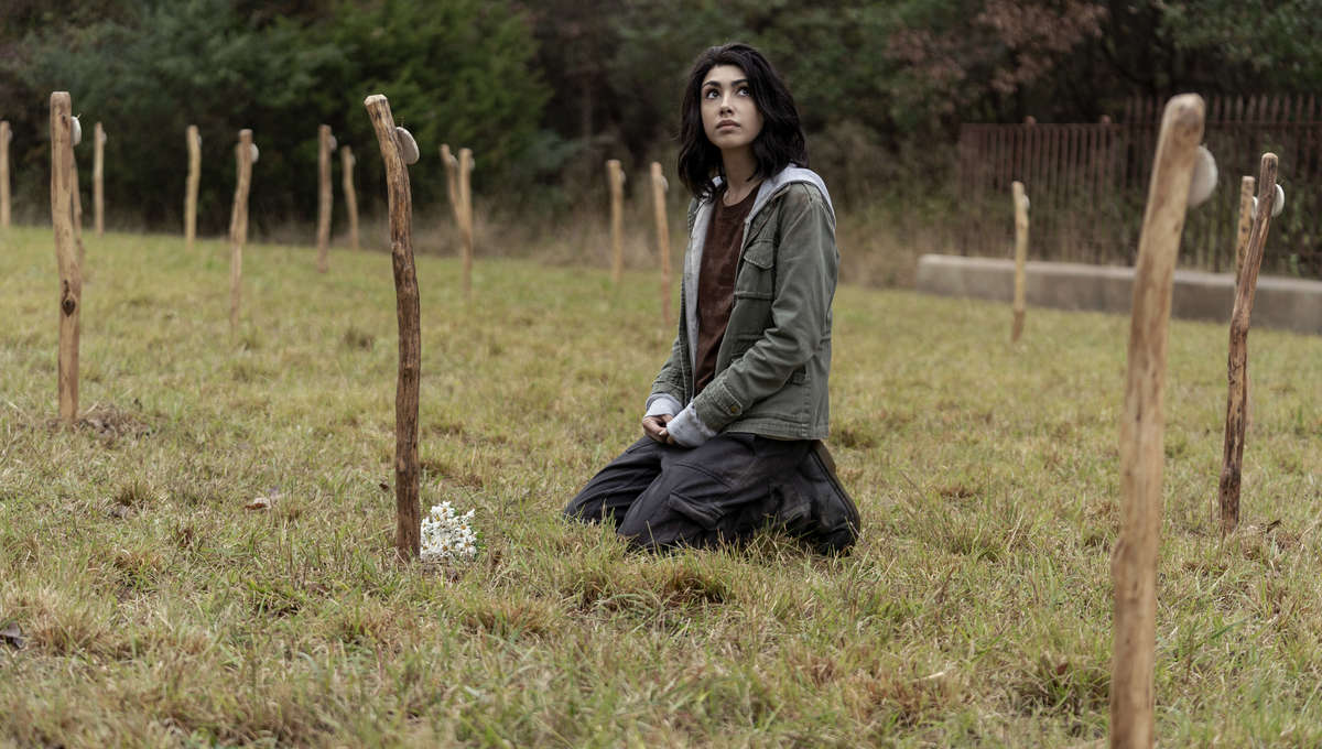 The Walking Dead world Beyond episode 101 - Hope in a cemetery