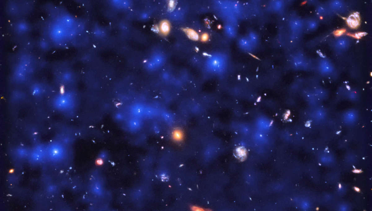 A section of the Hubble Ultra Deep Field showing hundreds of galaxies, with the MUSE observations of hydrogen glow superposed (blue). The glow is everywhere, coming from hydrogen gas in the distant Universe. ESA/Hubble & NASA, ESO/ Lutz Wisotzki et al.