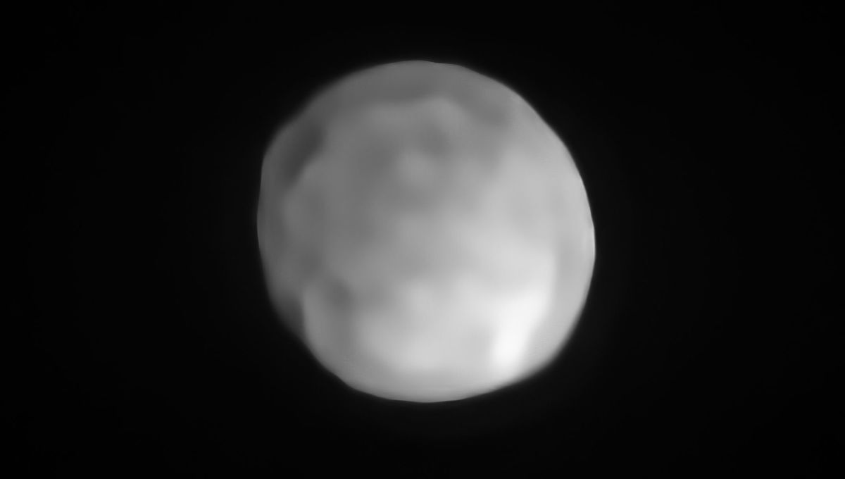 An actual image of the protoplanet Hygiea, taken using the SPHERE camera on the Very Large Telescope. Credit: ESO/P. Vernazza et al./MISTRAL algorithm (ONERA/CNRS)