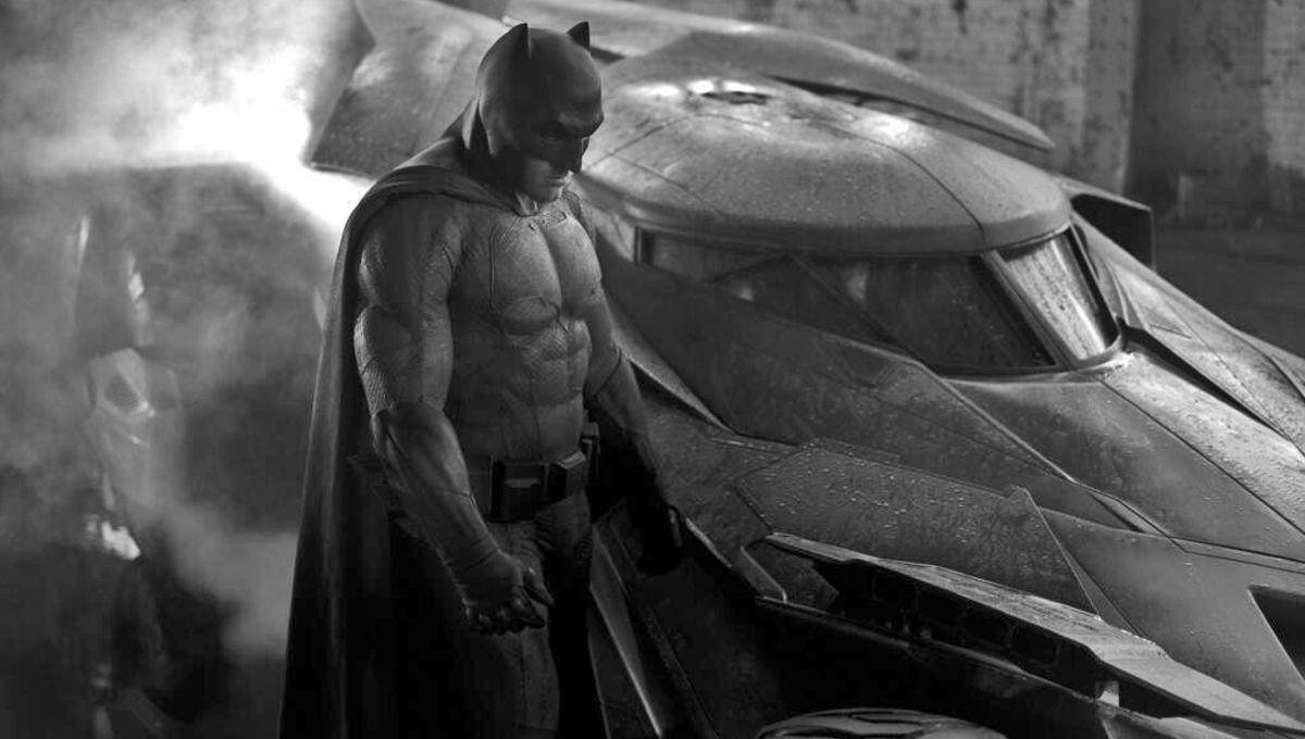 Batman-Batmobile-Ben-Affleck.jpg