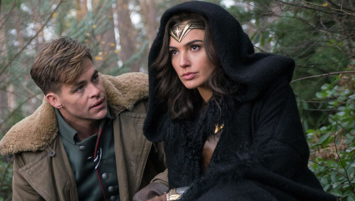 Chris-Pine-and-Gal-Gadot-in-Wonder-Woman-movie.jpg