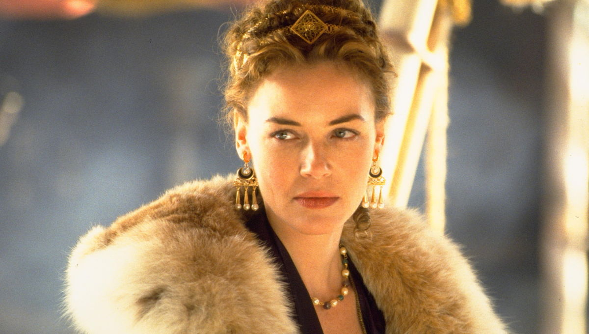 Connie-Nielsen-in-Gladiator.jpg