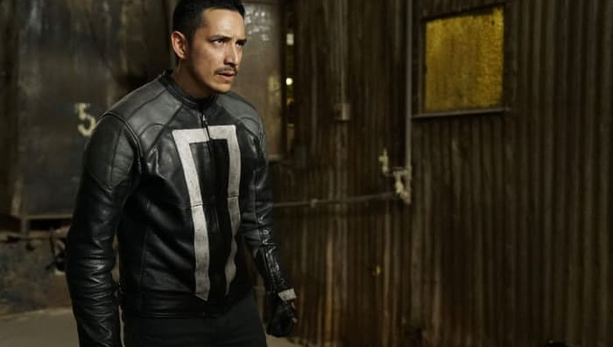 Gabriel-Luna-as-Robbie-Reyes-in-Agents-of-SHIELD-Season-4-Episode-7-1.jpg