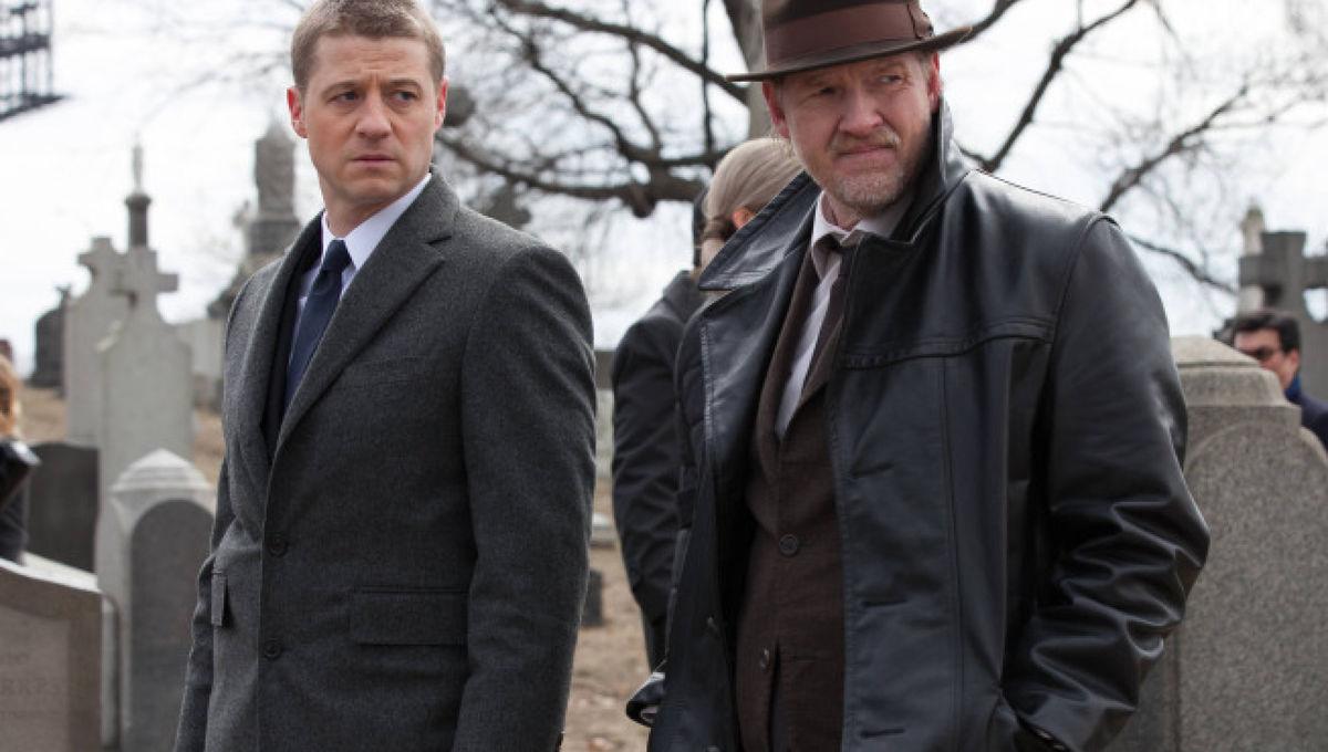 Gotham_pilot_Gotham_Cemetery_04981.jpg