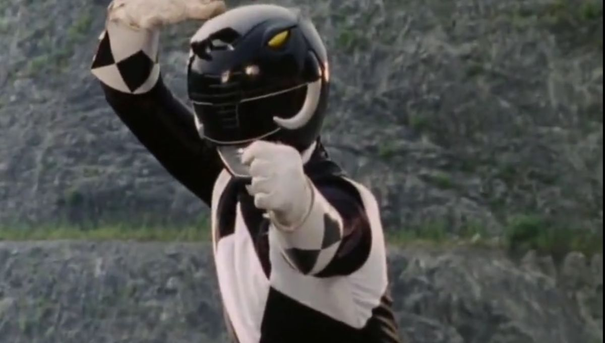 Mighty_Morphin_Black_Ranger_Pose.jpg