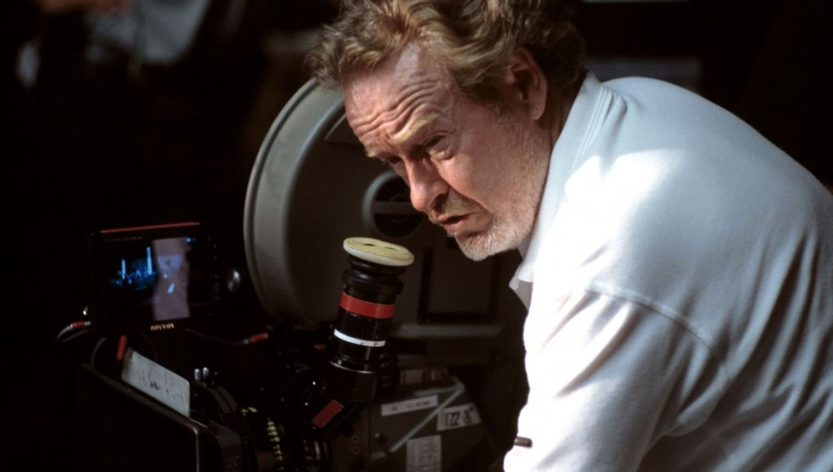 Ridley-Scott-in-Hannibal-2001-Movie-Image-e1343337904596.jpg