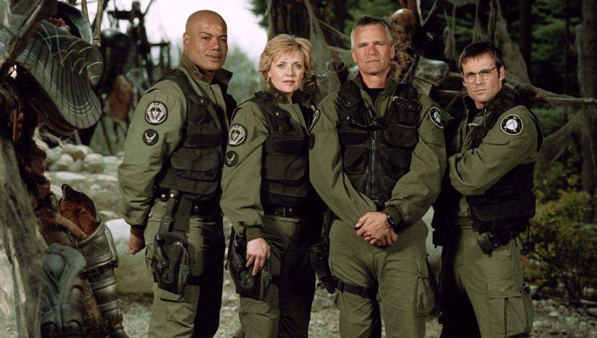 SG-1-S7-Team-Cast-1024x787.jpg