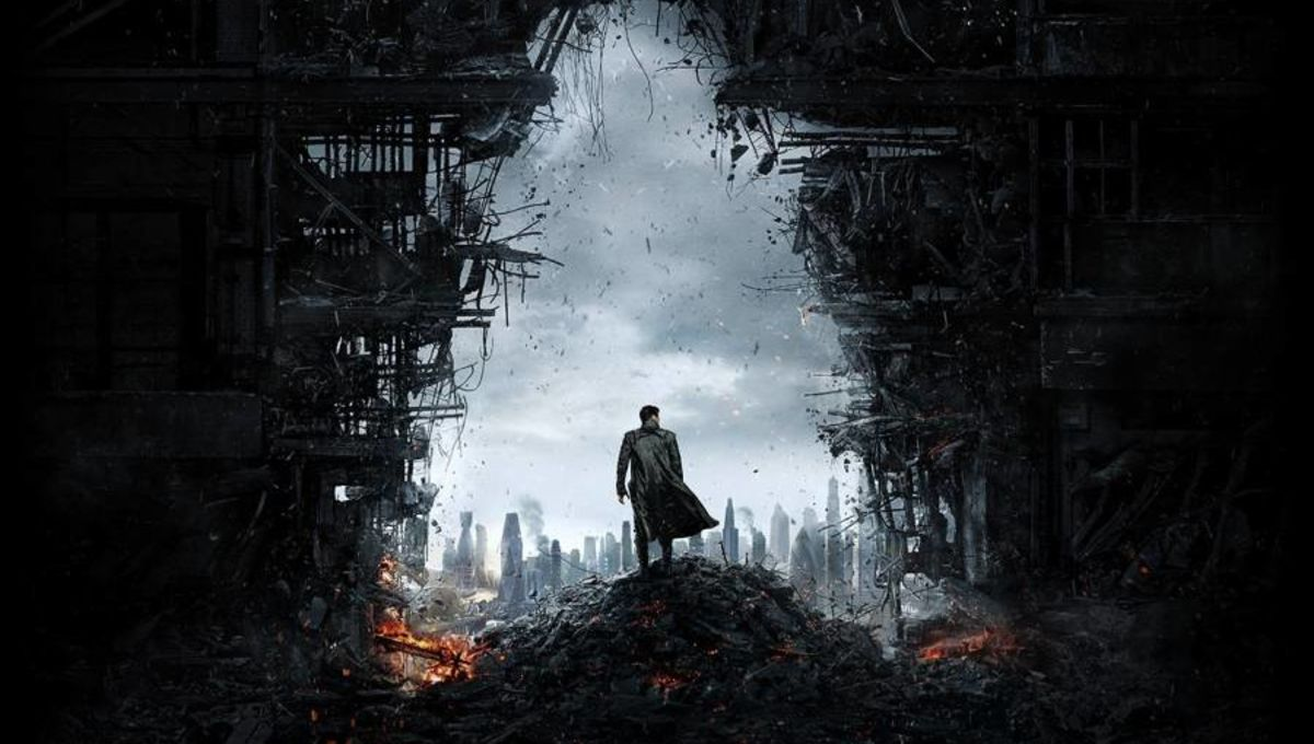 STAR-TREK-INTO-DARKNESS-Poster-01.jpg