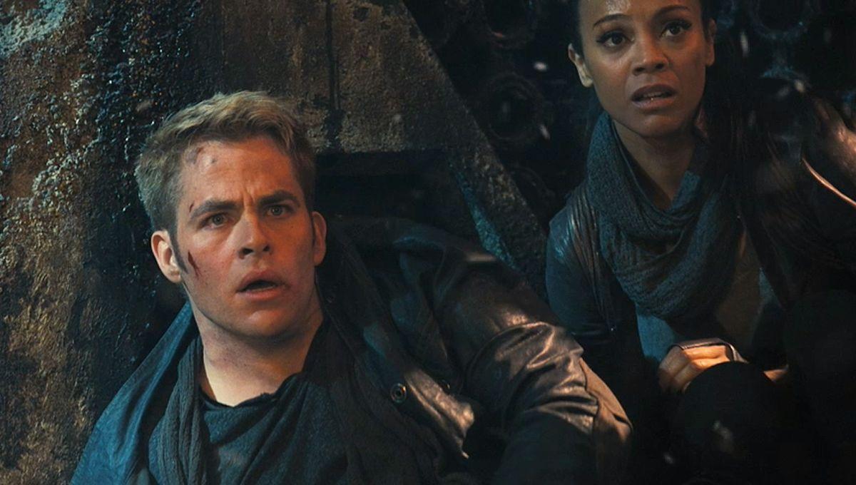 Star-Trek-into-Darkness-Chris-Pine-and-Zoe-Saldana.jpg