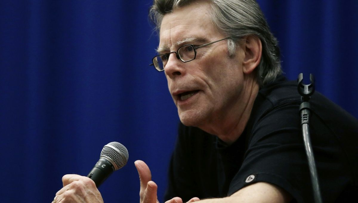 Stephen-King-lecturing.jpg