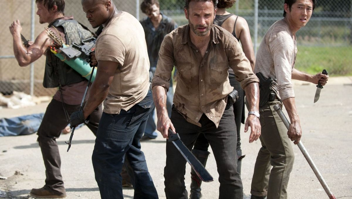 The-Walking-Dead-season-3-Teaser-Trailers-01-800x1280.jpg