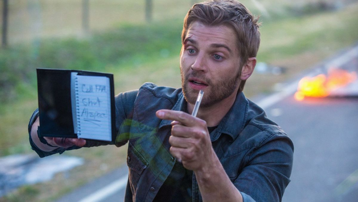 Under-the-dome-Mike-Vogel.jpg
