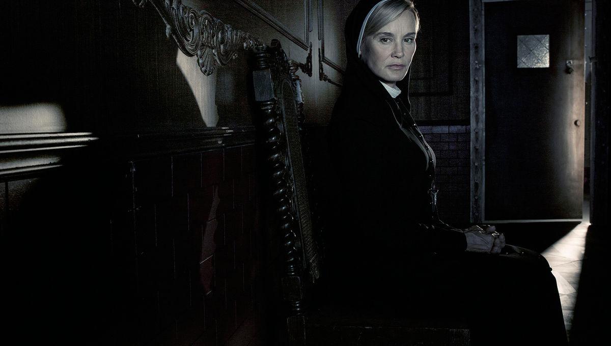american-horror-story-asylum-jessica-lange.jpeg