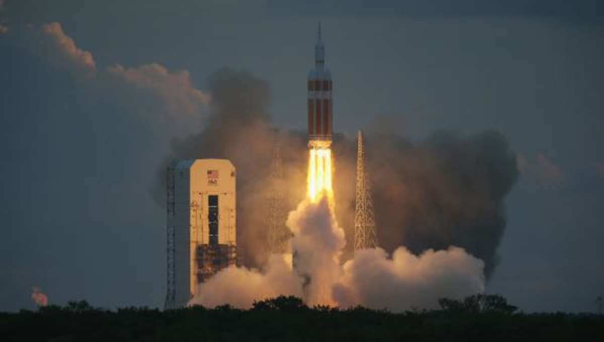459984986-the-united-launch-alliance-delta-4-rocket-carrying.jpg.CROP.rectangle-large.jpg