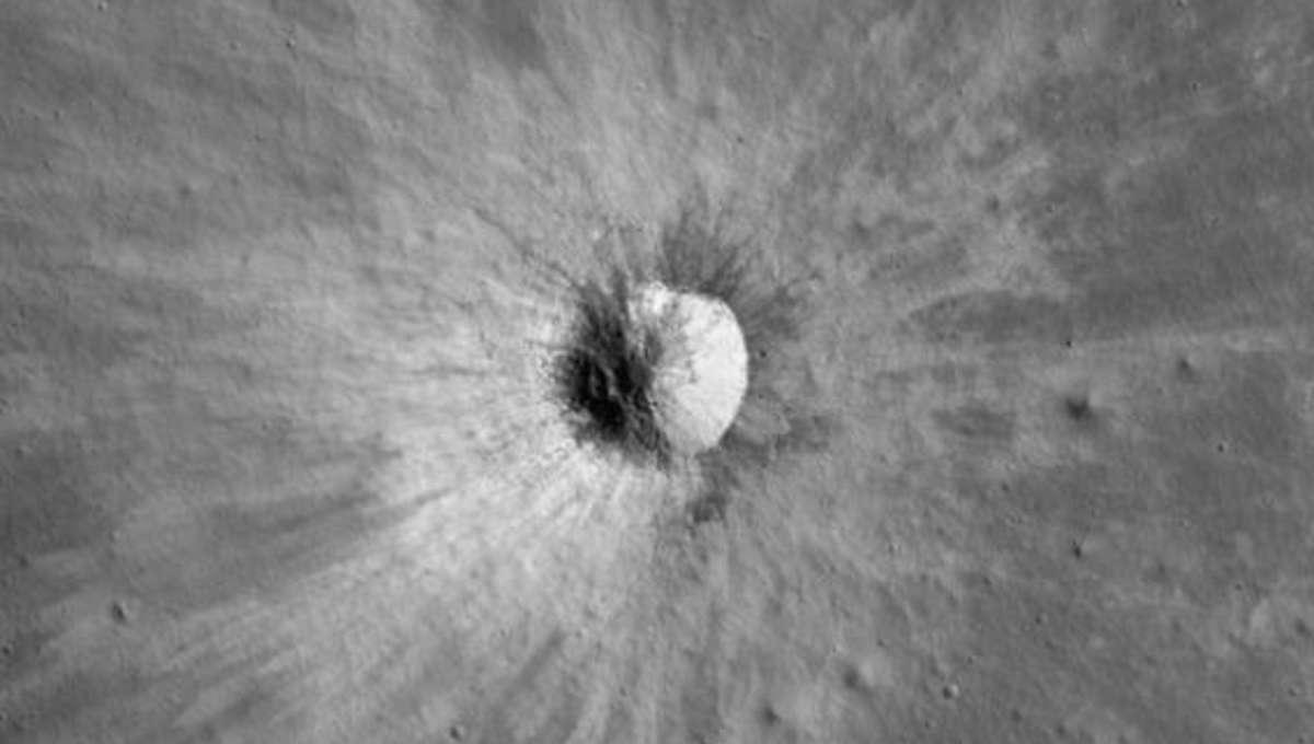 LRO_northpolemosaic_crater.jpg.CROP.rectangle-large.jpg