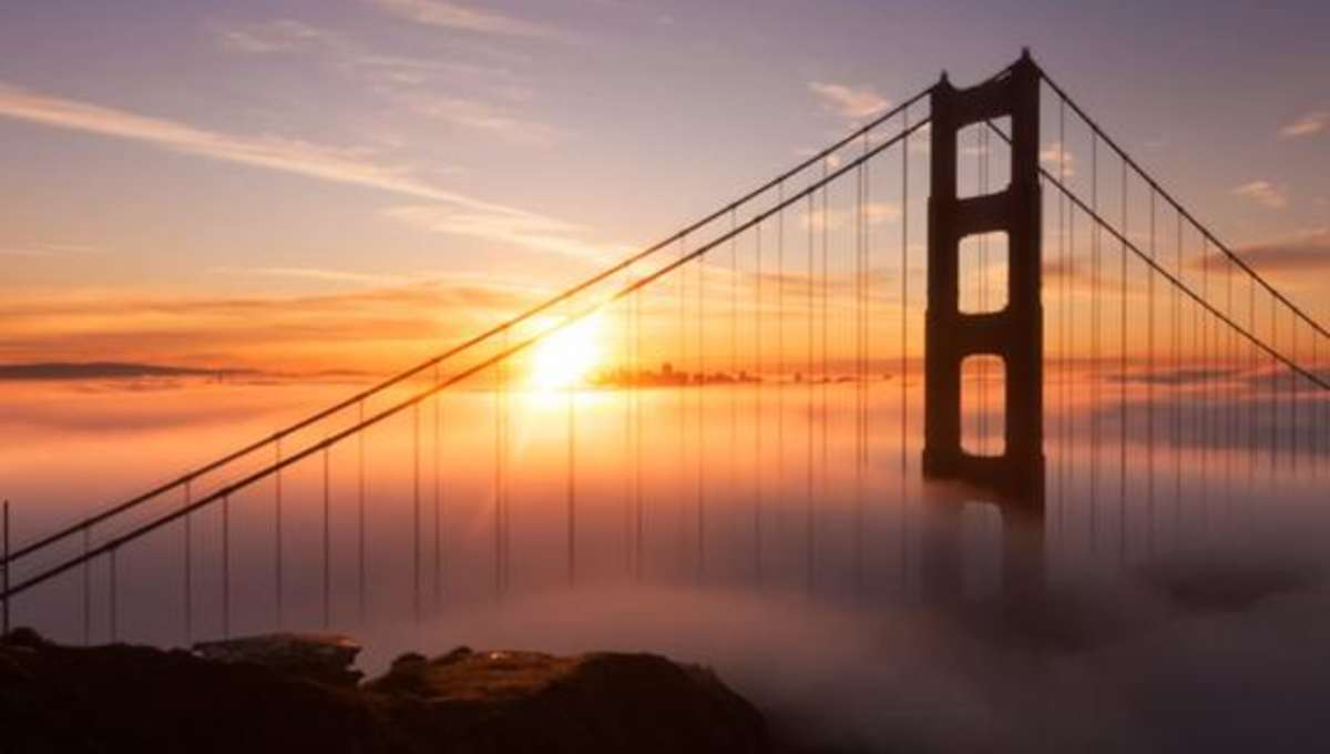 adrift_fog_ggb.jpg.CROP.rectangle-large.jpg