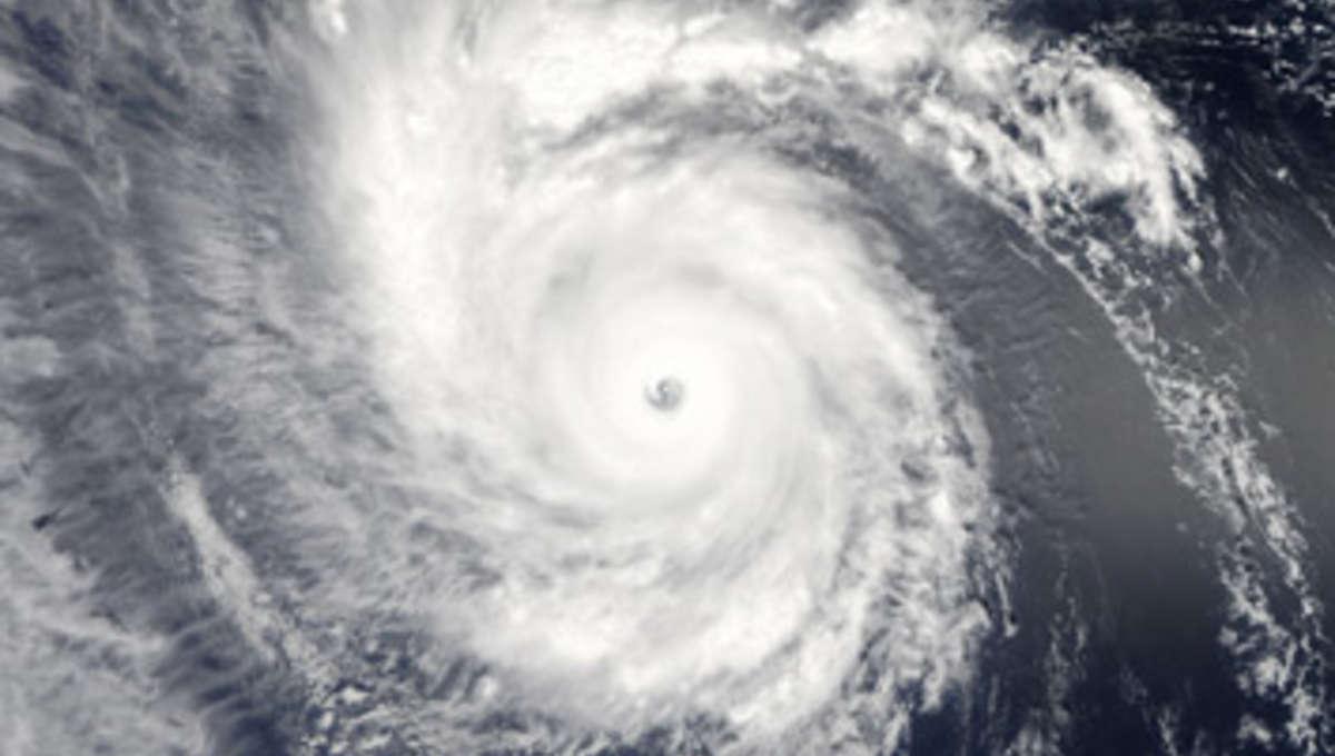 aqua_typhoon_354_0.jpg