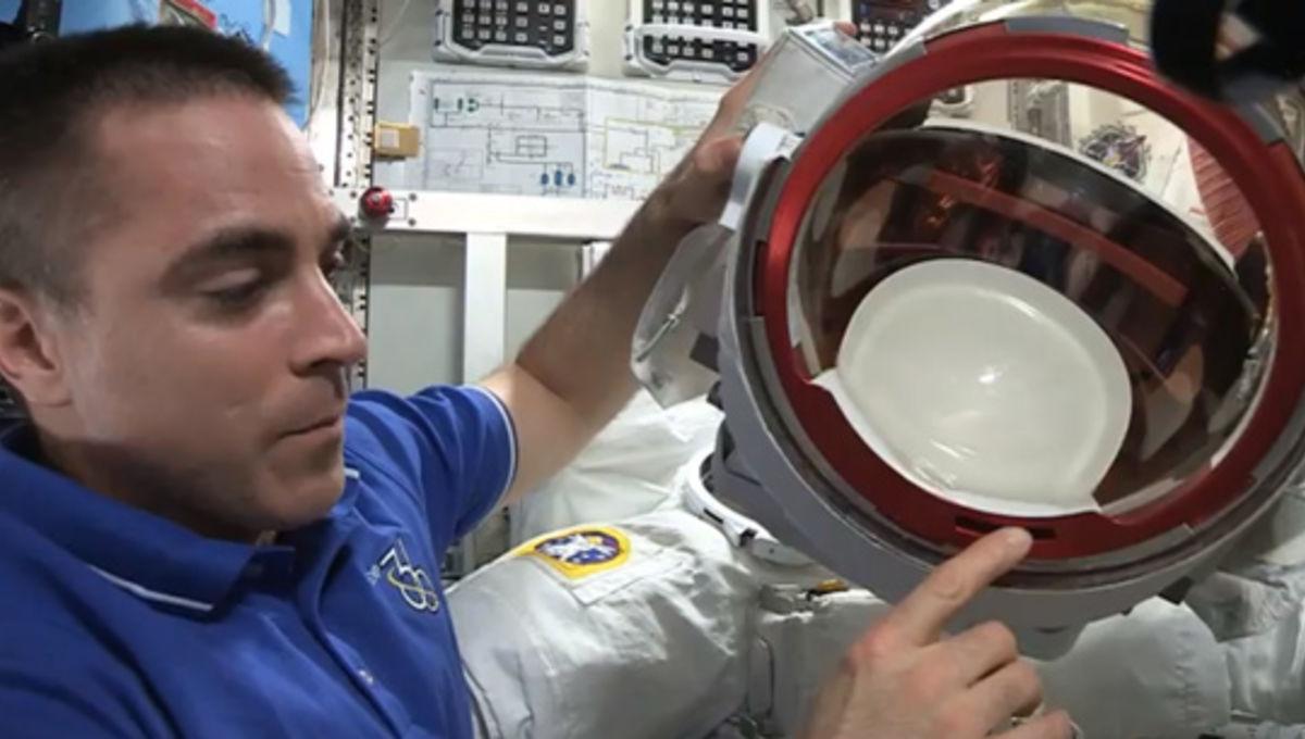 astronautchriscassidy_helmet.jpg