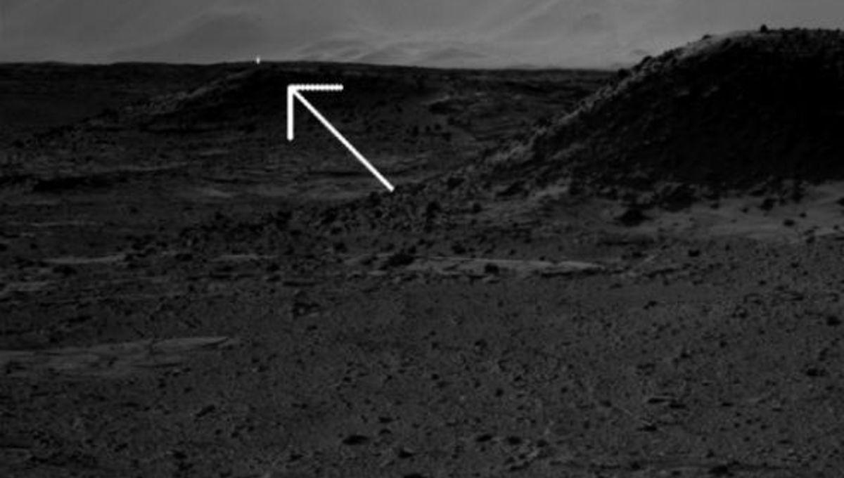 curiosity_light_right_590.jpg.CROP.rectangle-large.jpg