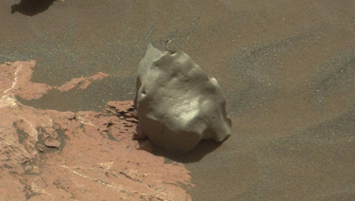 curiosity_meteorite_sol1577_0.jpg