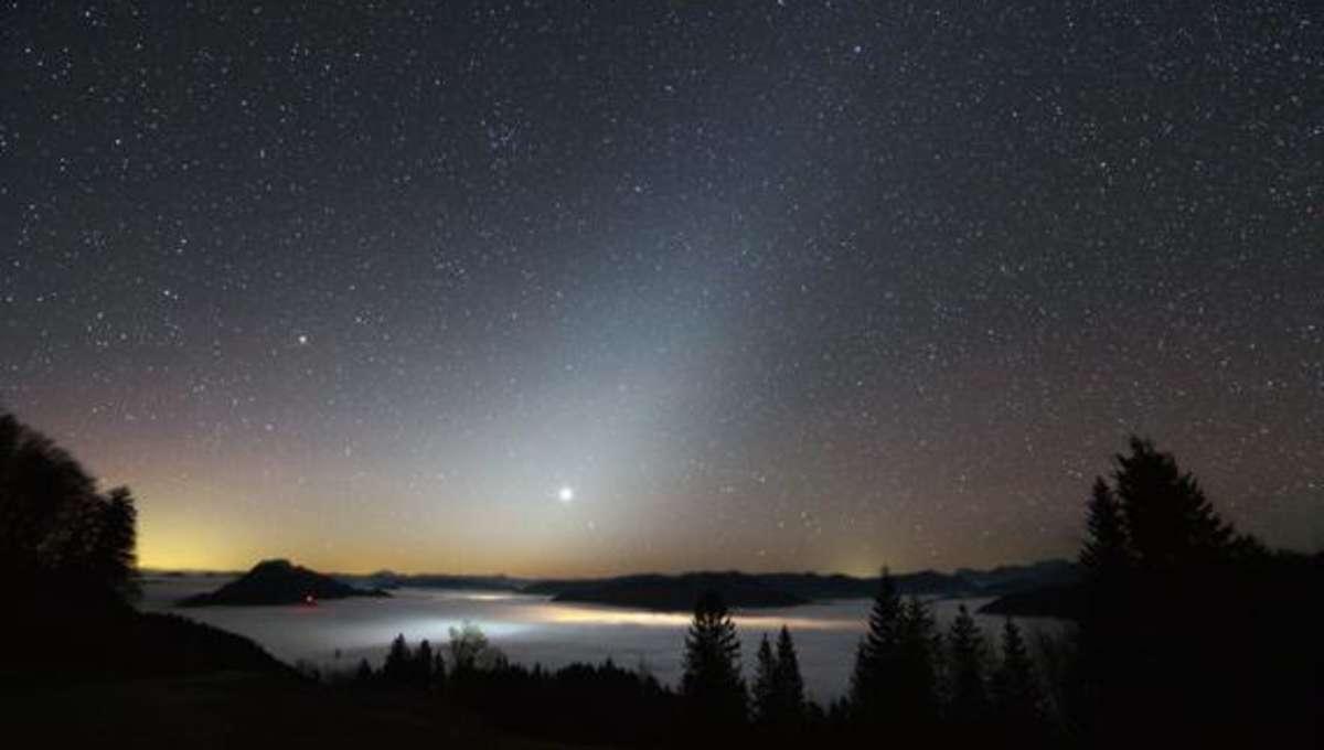 dobesberger_venus_zodiacallight.jpg.CROP.rectangle-large.jpg