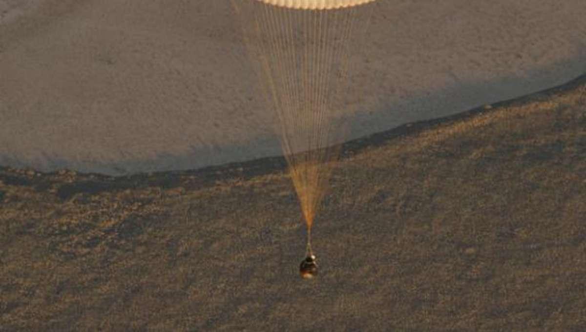 expedition37_parachute.jpg.CROP.rectangle-large.jpg