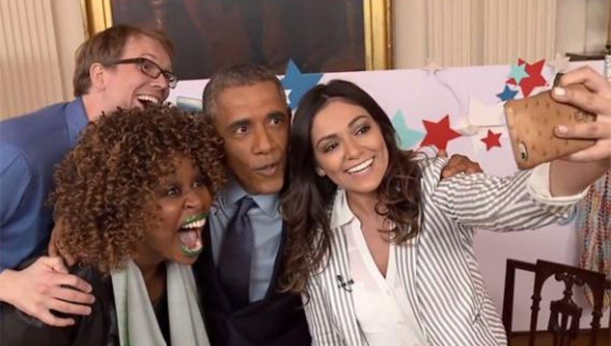 hankgreen_obama_selfie.jpg.CROP.rectangle-large.jpg