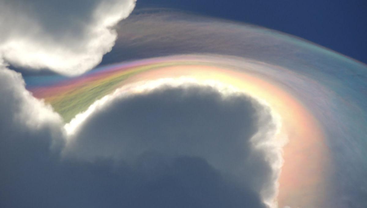 iridescent_pileus_cloud_0.jpg