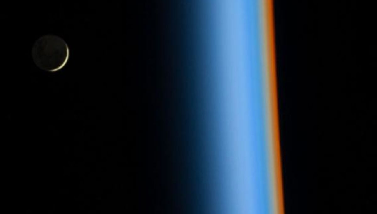 iss_crescentmoonrise_354.jpg.CROP.rectangle-large.jpg