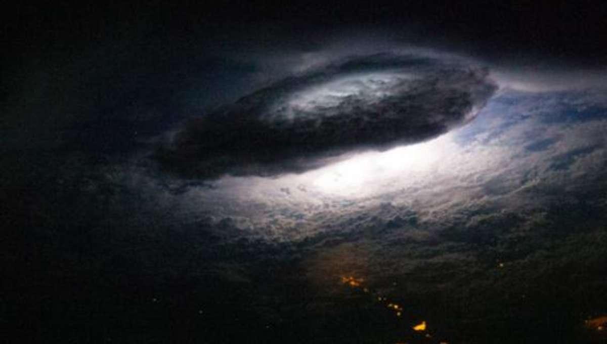 iss_lightning_bolivia.jpg.CROP.rectangle-large.jpg
