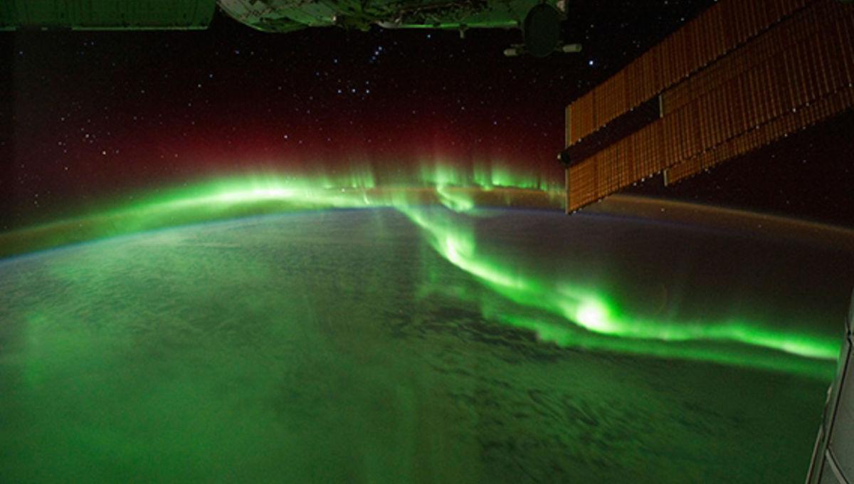 iss_orion_aurora_sep172011.jpg