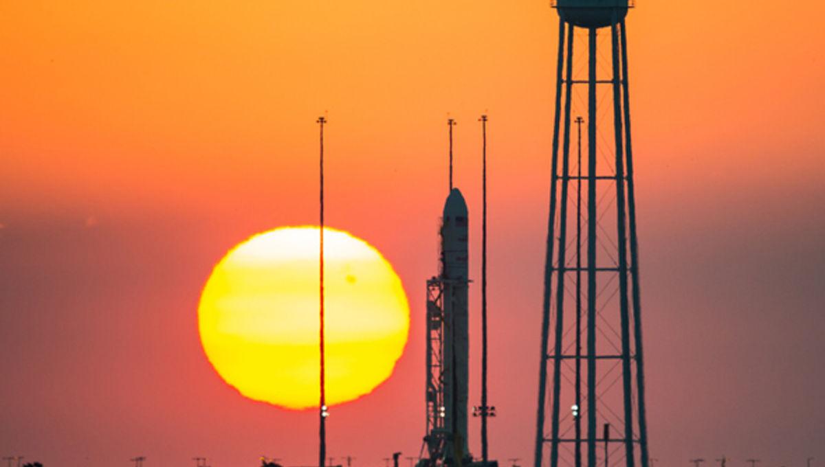 orbital_antares_sunset.jpg