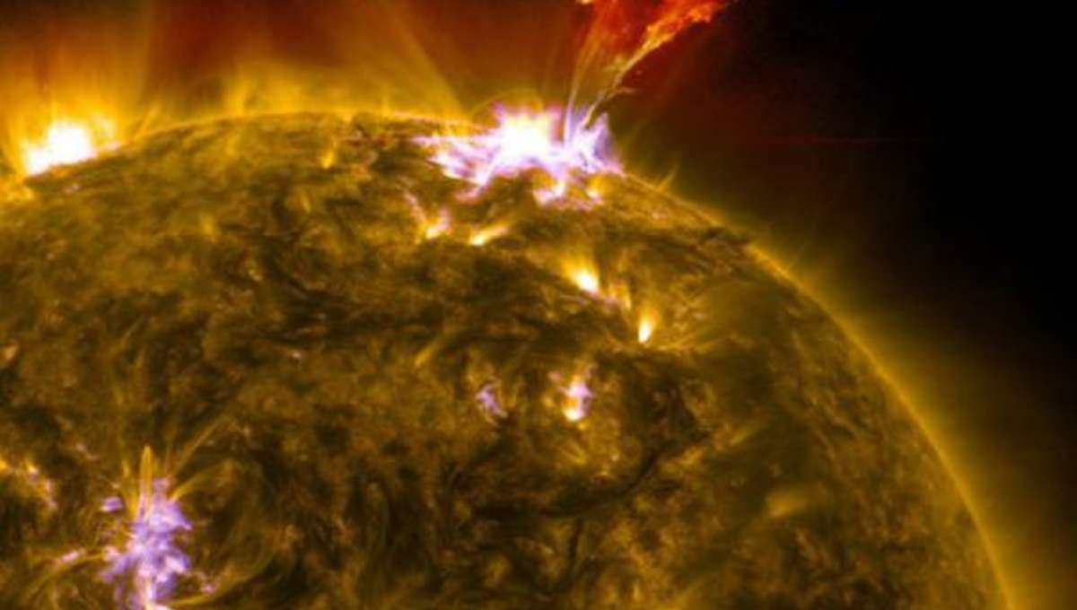 sdo_prominence_may32013_earth.jpg.CROP.rectangle-large.jpg