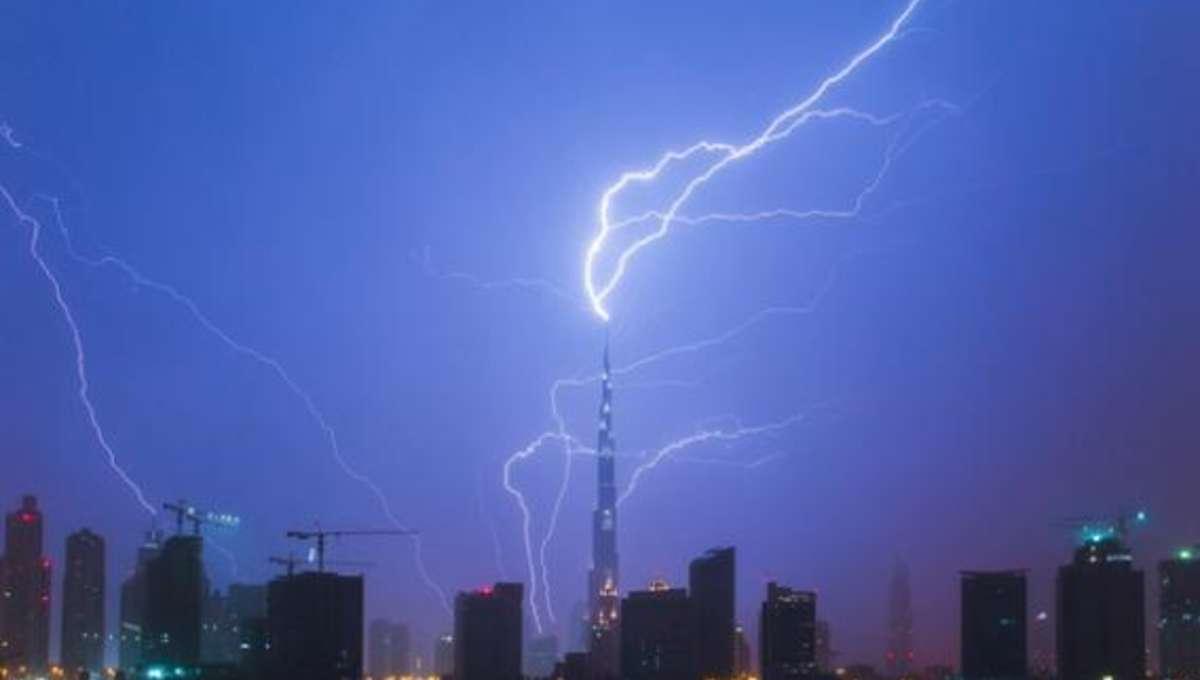 shainblum_lightning.jpg.CROP.rectangle-large.jpg