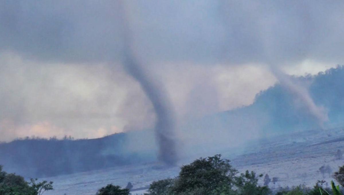 sinabung_tornadoes.jpg