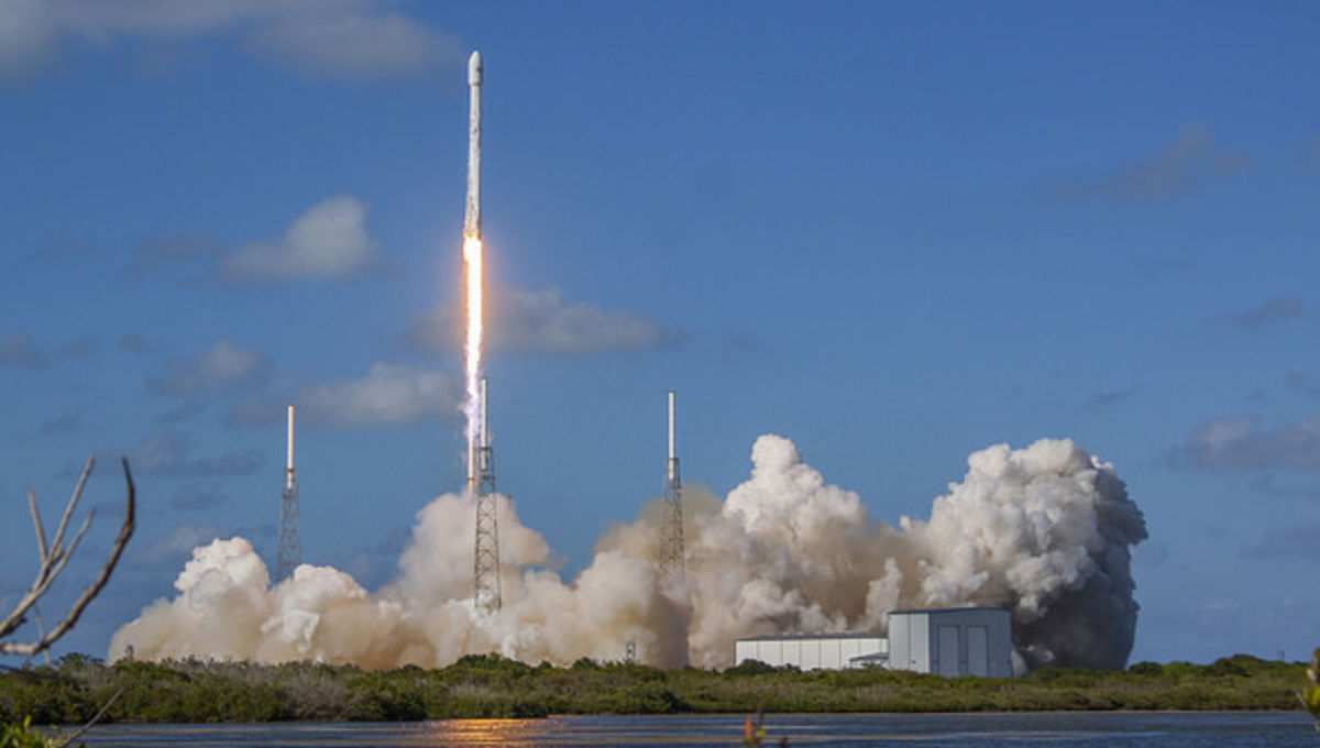 spacex_thaicom8_launch_0.jpg