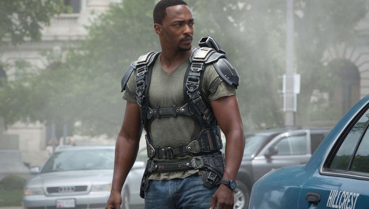 Captain-America-The-Winter-Soldier-Falcon-Outfit.jpg
