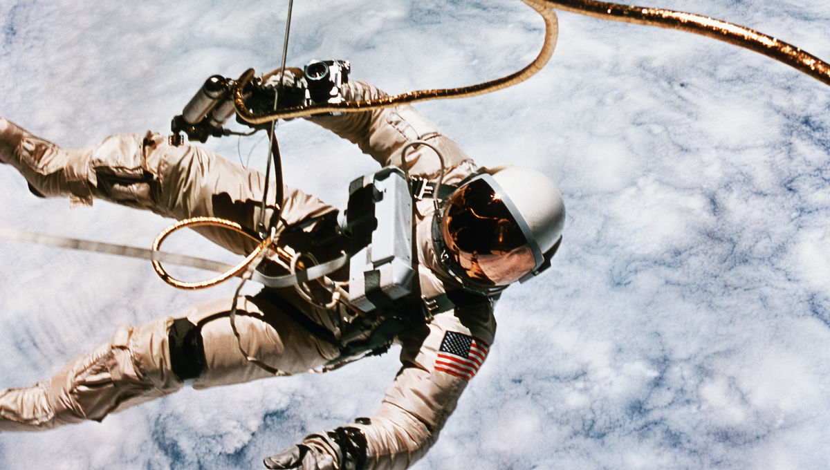 first-spacewalk-by-us-astronaut.jpg