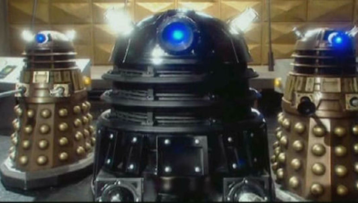 Doctor_who_black_bronze_daleks.jpg