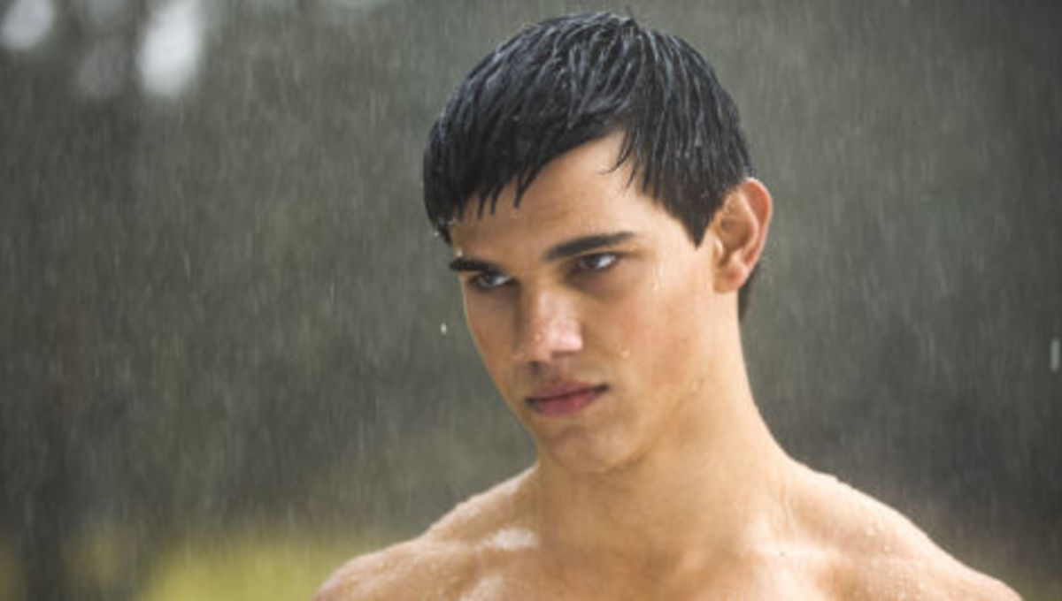 NewMoon_lautner_rain_small_4.jpg