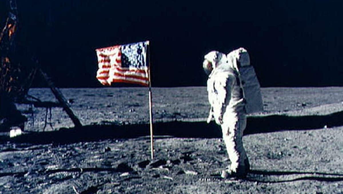 Apollo_11_flag.jpeg