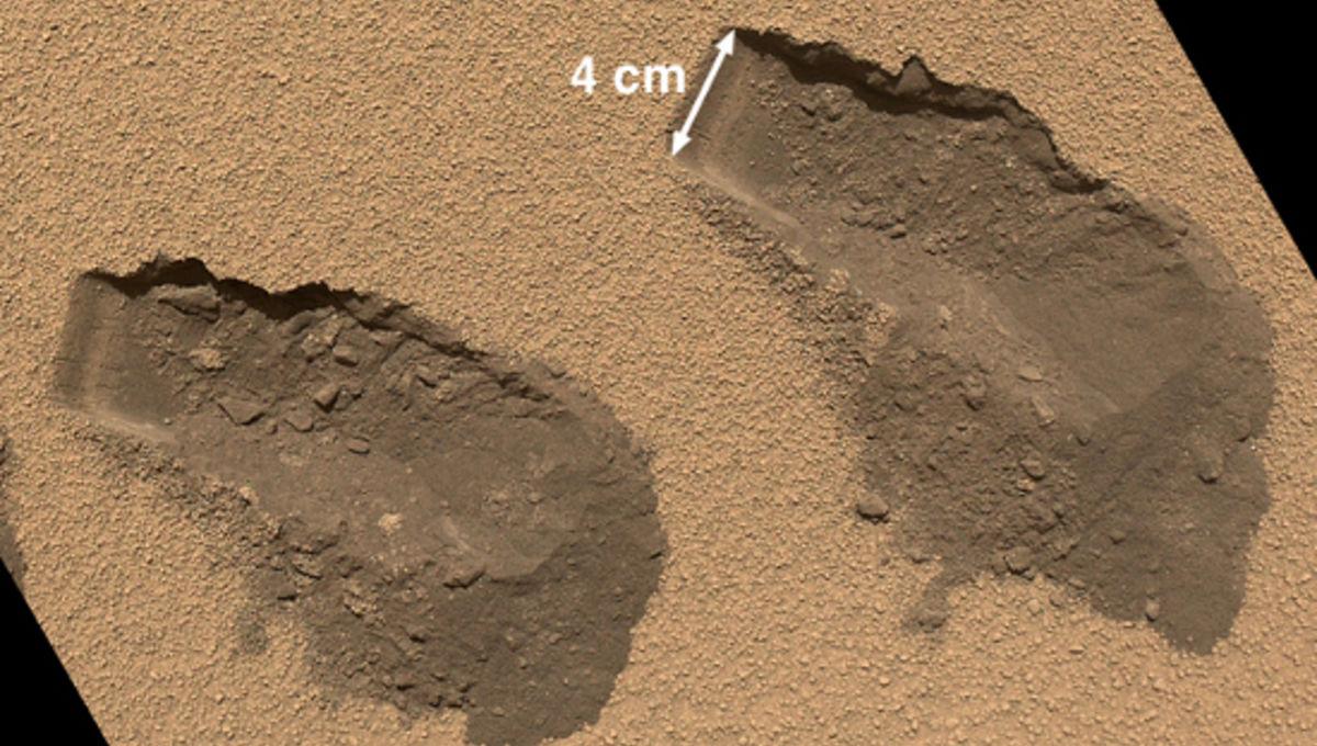 Curiosity%20sand%20scoop.jpg