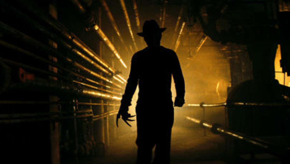 Nightmare_Elm_Street_Haley_Freddy_pipes_1.jpg
