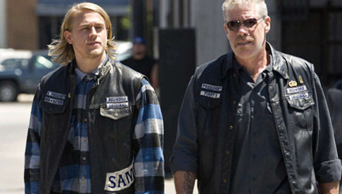 sons-anarchy_Hunnam_Perlman.jpg