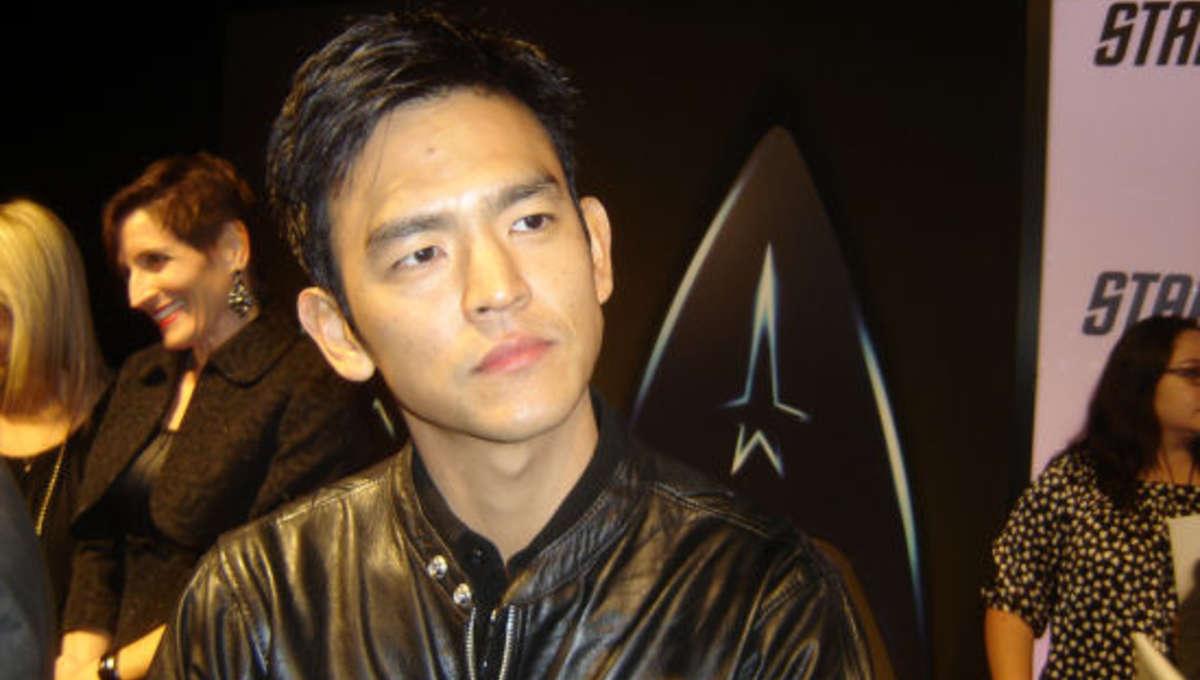 Star_Trek_Bluray_Cho_carpet.jpg