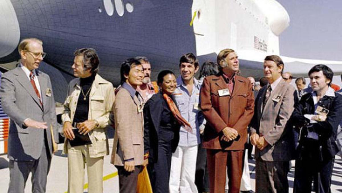 startrek_crew_shuttle_orbiter.jpg