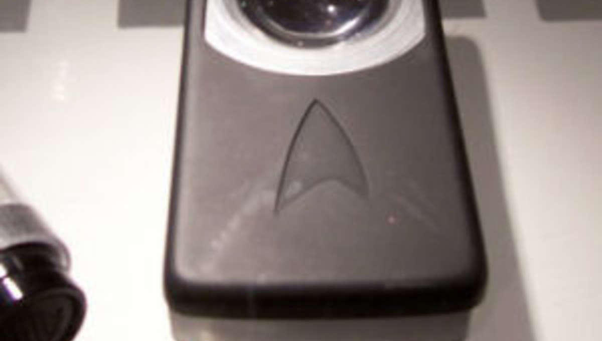 StarTrek_prop_communicator.jpg